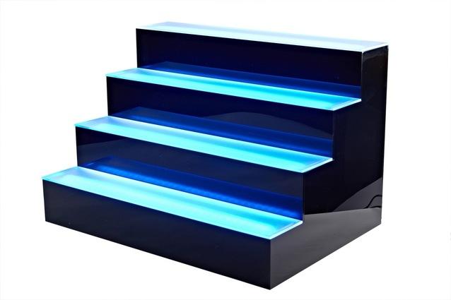 Podsvietené schody.jpg